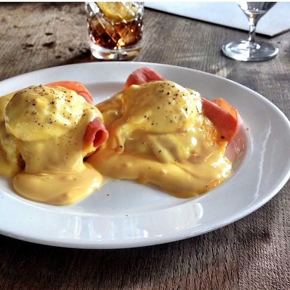 Eggs Benedict @ Soho House Berlin