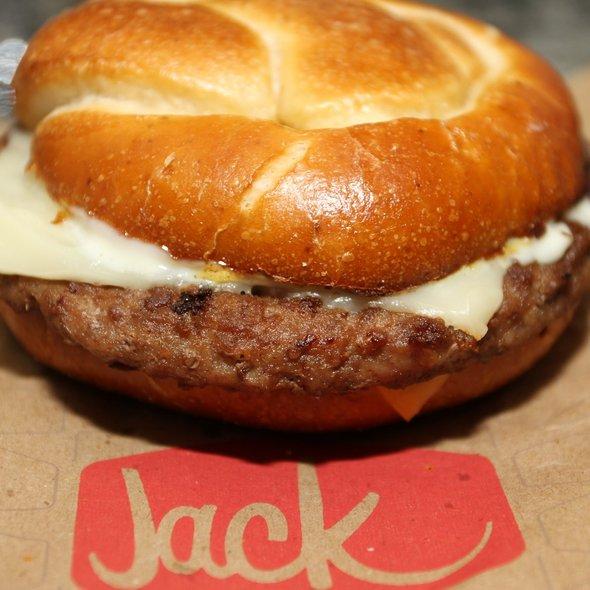 Pretzel Burger @ Jack In the Box
