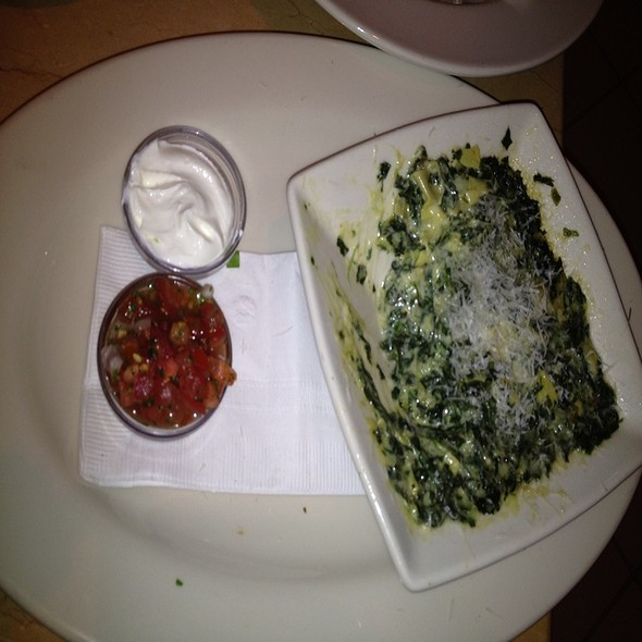 Spinach Dip With Cheesy Lavosh @ Armani/Ristorante