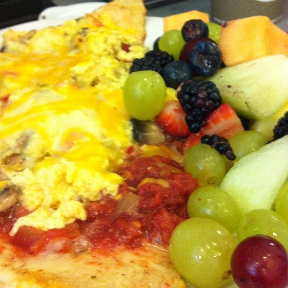 Breakfast Pizza @ Silver Grill Cafe