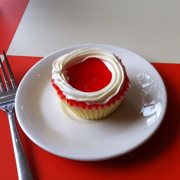 Traditional Strawberry Cheesecake Cupcake @ Broadway Cheesecake
