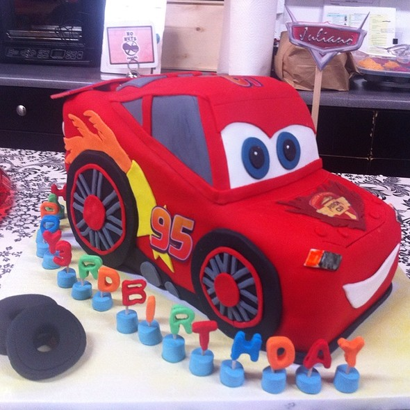 Lightening Mcqueen Cake @ Sweet Dreams