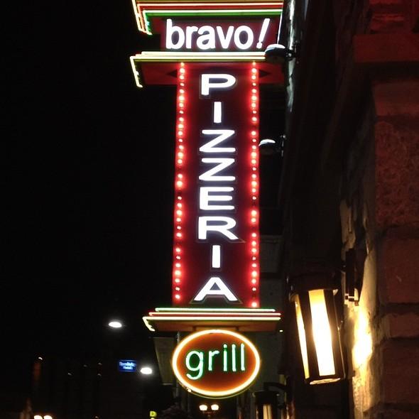 Good Signage! - Bravo! Pizzeria & Grill, Niagara Falls, ON