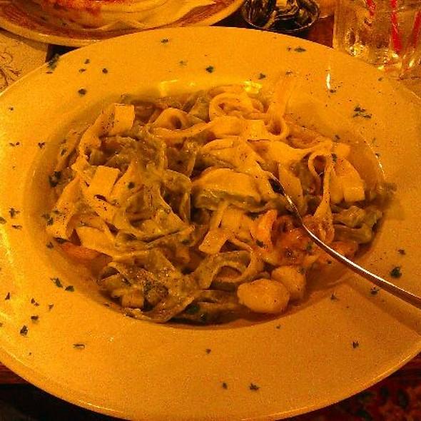Seafood Fettuccine @ Old Spaghetti Factory Restaurant The