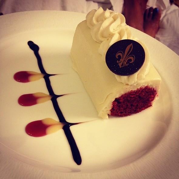 Red Velvet Cake @ The Roosevelt Hotel