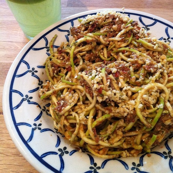 Zucchini Noodle Pasta @ Rawlicious Bloor West