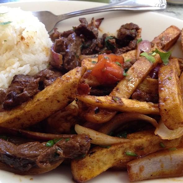 Mar Y Tierra @ Natalie Peruvian Seafood Restaurant
