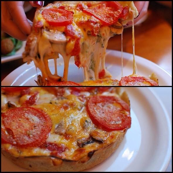 3 Cheese Pizza @ Giordano's Famous Stuff Pizza