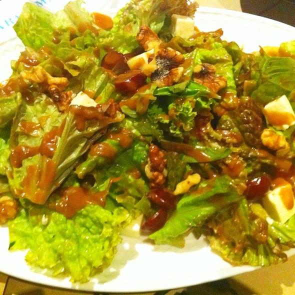 Insalata Uva @ Aracama Filipino Cuisine