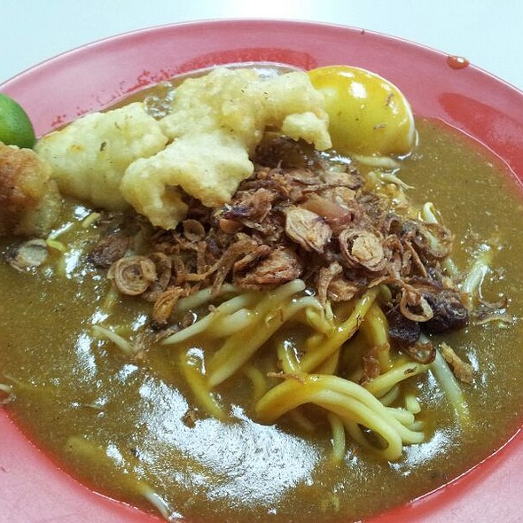 Mee Rebus With Fried Fish @ 53 Tuas Crescent