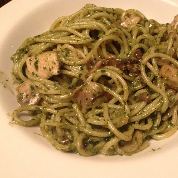 Pasta Pesto With Chicken And Mushrooms @ Тесто
