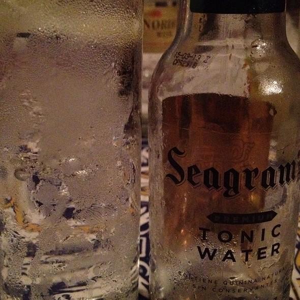 Gin & Tonic @ La Casa de Arriba