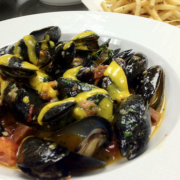 Bouchot Mussels Frites - Wolfgang Puck at Hotel Bel-Air, Los Angeles, CA