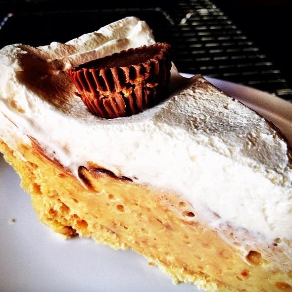 Chocolate Peanut Butter Pie @ Jake's Texas Tea House