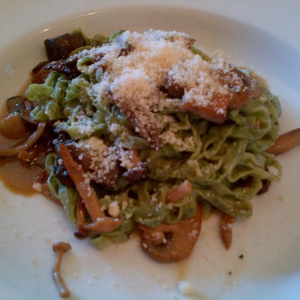 Fettuccine Al Funghi @ Riva Cucina