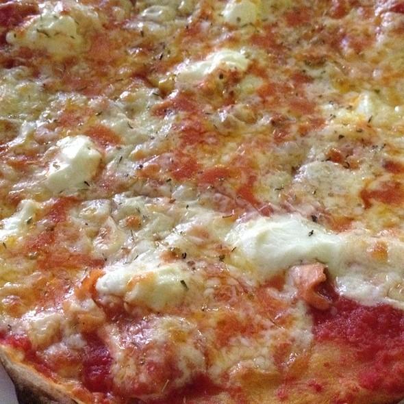 Salmon & Mozzarella Pizza @ Yellow Cafe Langkawi