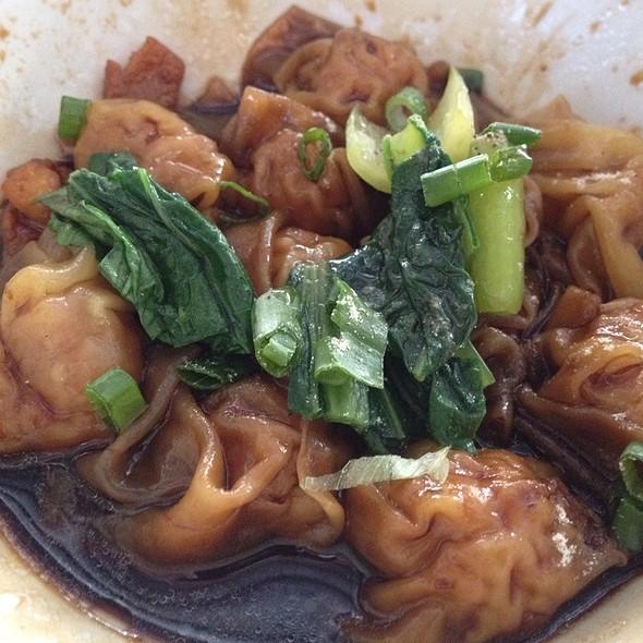 Wan Tan In Dark Sauce @ Sri Weld Food Court