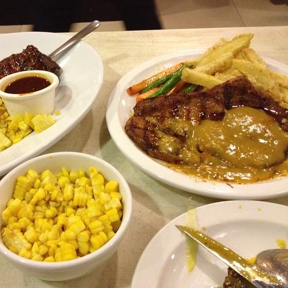 Smothered U.S. Pork Steak @ Rub Ribs & Bbq