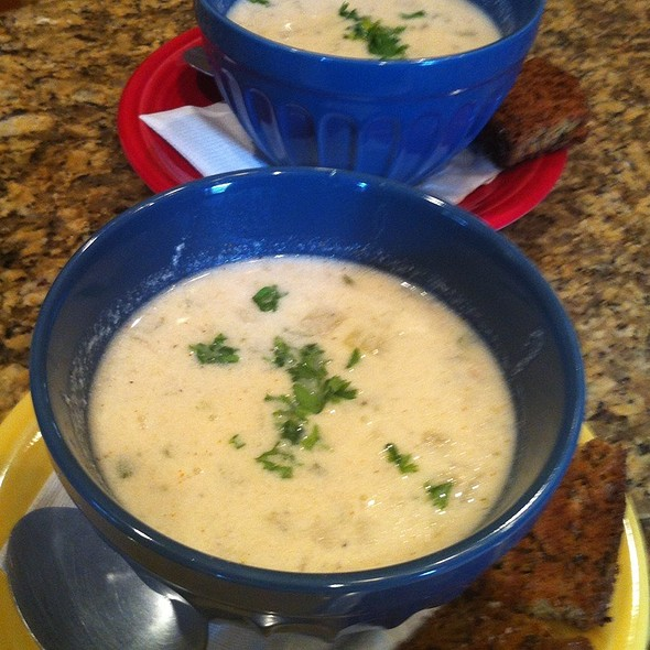 Clam Chowder @ The Fat Tuscan Cafe