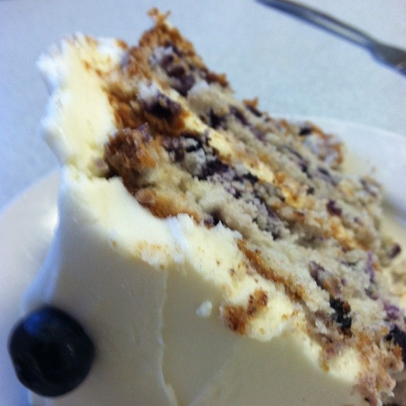 Maune Blueberry Cake With Cream Cheese Frosting