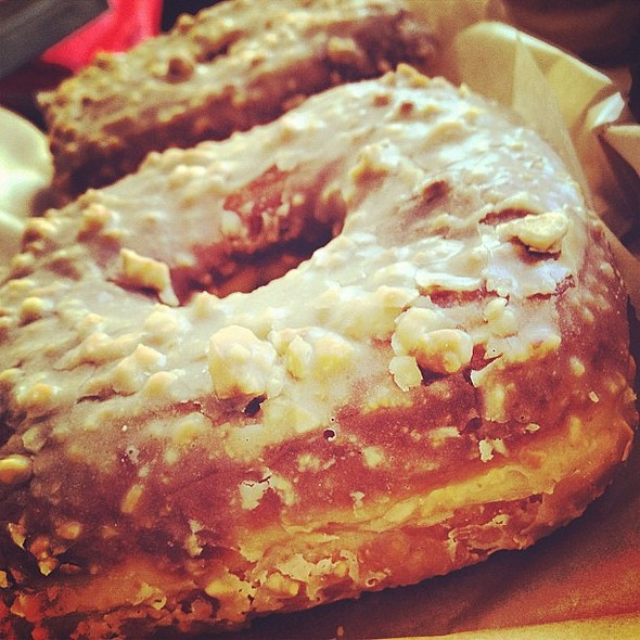 Peanut Butter And Jelly Donut @ Doughnut Plant
