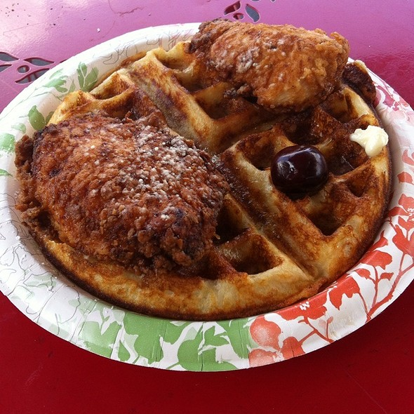 Chicken and Waffles @ Pearl Farmers Market