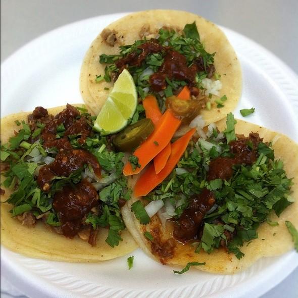 Mini Tacos de Asada @ Tacomiendo