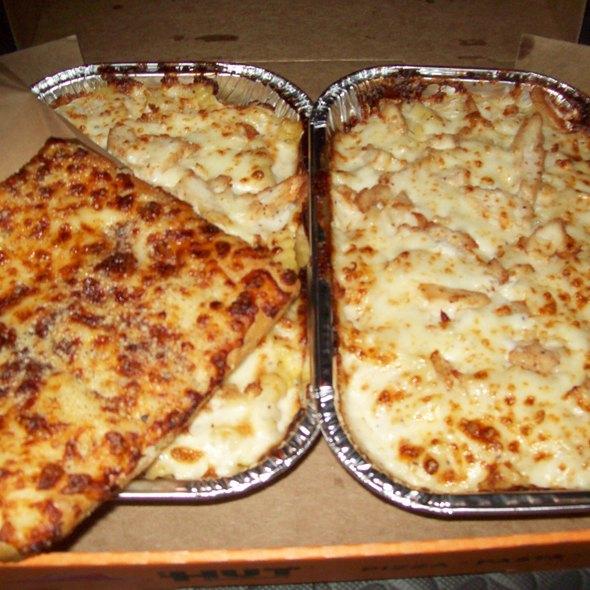 Tuscani Creamy Chicken Alfredo @ Pizza Hut (Delivery)