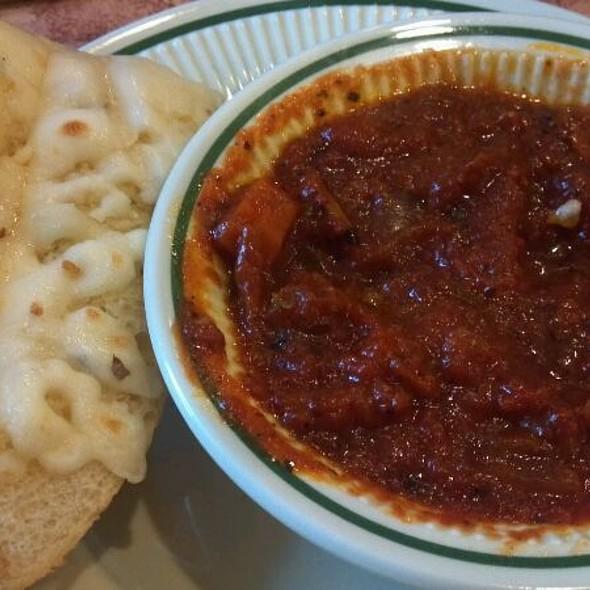 Cheesy Garlic Bread With Mariana @ Maggie's Pizza & Deli