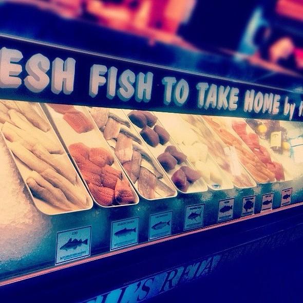 Sara hadley foodspotting for Fresh fish lansing mi