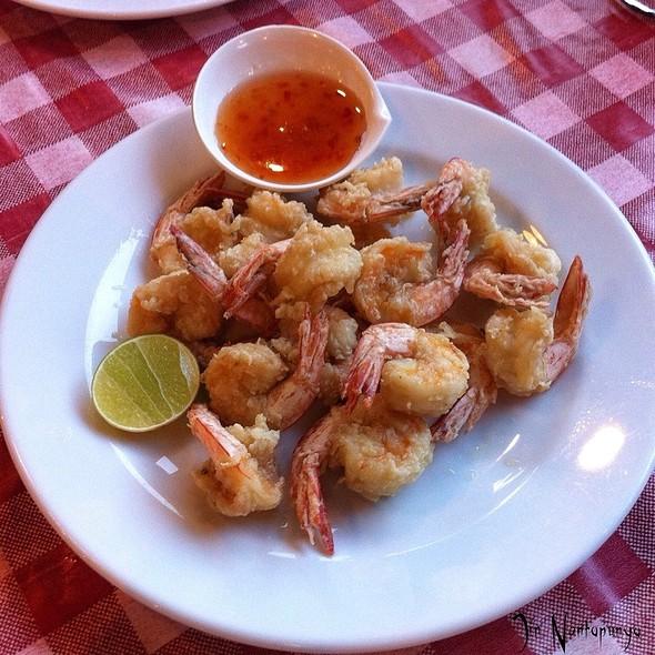 Deep Fried Prawns กุ้งทอด @ Khun Pha Rawai Bbq Restaurant