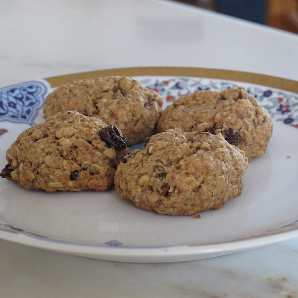 Oatmeal Rasin Cookies @ Home