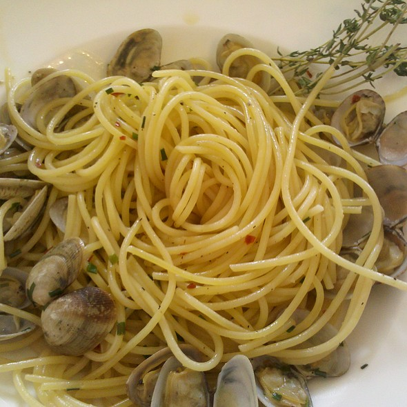 Linguine With Clams - The Tasting Room at Palio, Leesburg, VA
