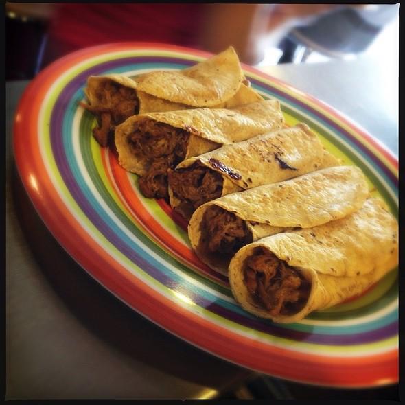 El Taco De Cochinita Pibil @ La Cebolla Morada