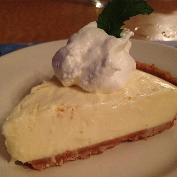 Key Lime Pie @ Breezeway Restaurant