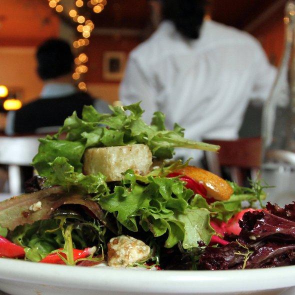 Little Del Rio Green Salad with Balsamic Vinaigrette @ Mulvaney's B & L
