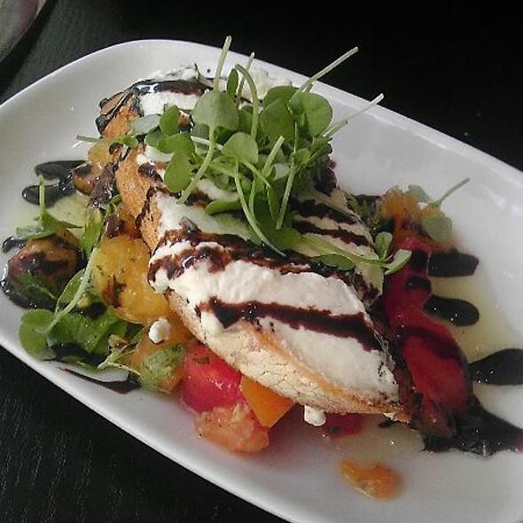 Heirloom Tomato Salad @ Sable Kitchen & Bar