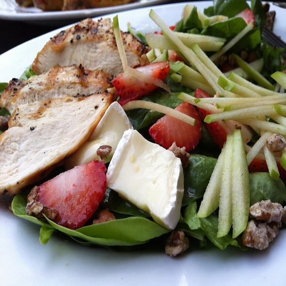 Spinach And Brie Salad W/ Chicken - Provisions & Buzz Co, Orlando, FL