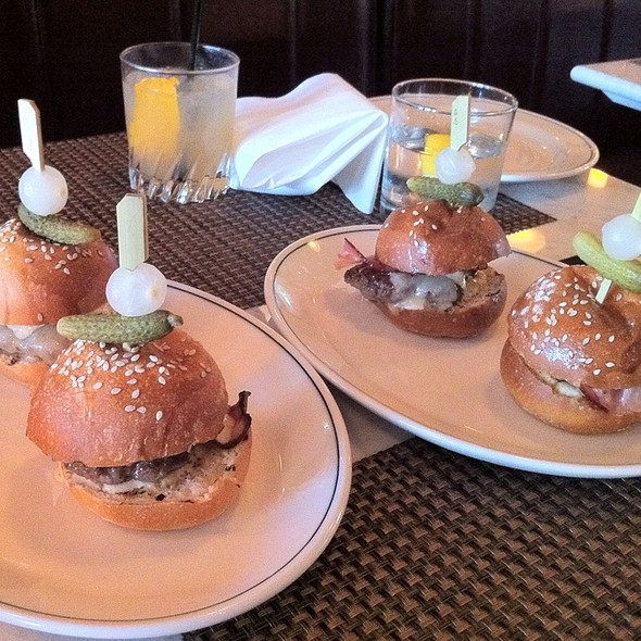 Elk Sliders - Museum Tavern, Toronto, ON