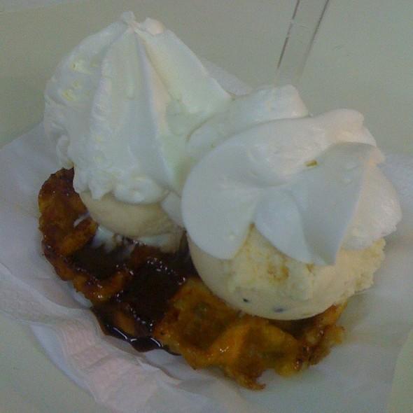 Waffle With Ice Cream @ Geladaria Esquimó