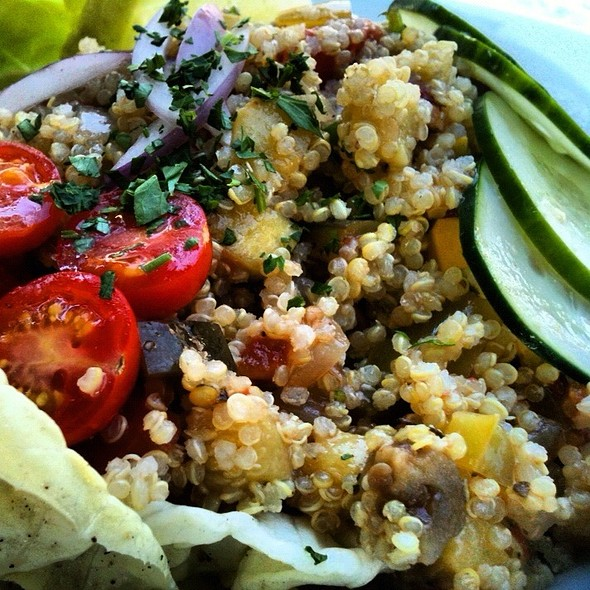 Vegetable Quinoa Salad @ Calistoga Kitchen
