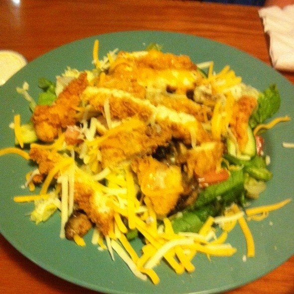 Fried Chicken Salad @ Beef 'O' Brady's