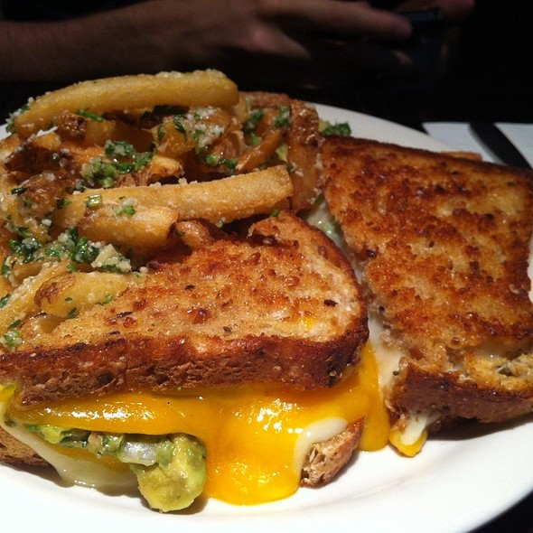 Grilled Cheese With Truffle Fries @ Prime 16