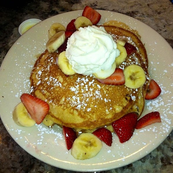 Strawberry Banana Pancakes @ cafe fleur de lis