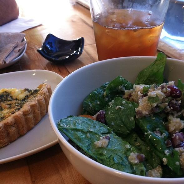 Salad With Quinoa @ The Good Bite Kitchen