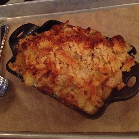 Mac and Cheese @ Social Kitchen & Bar