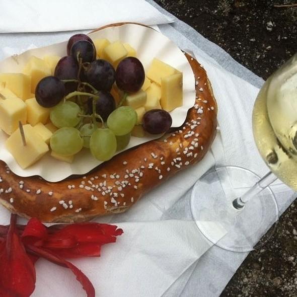 Pretzel, Cheese & Wine @ Linz Altstadt