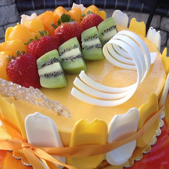 Mango Mousse Cake @ Sheng Kee Bakery