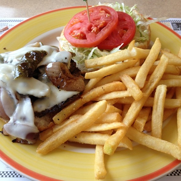 Roadhouse Burger @ Trivet Diner