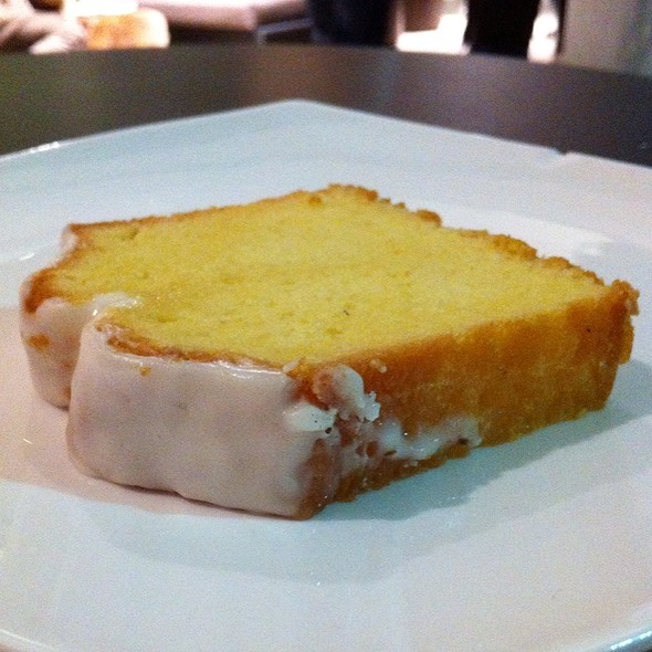 Lemon Loaf Cake @ Starbucks Avenida Escazu